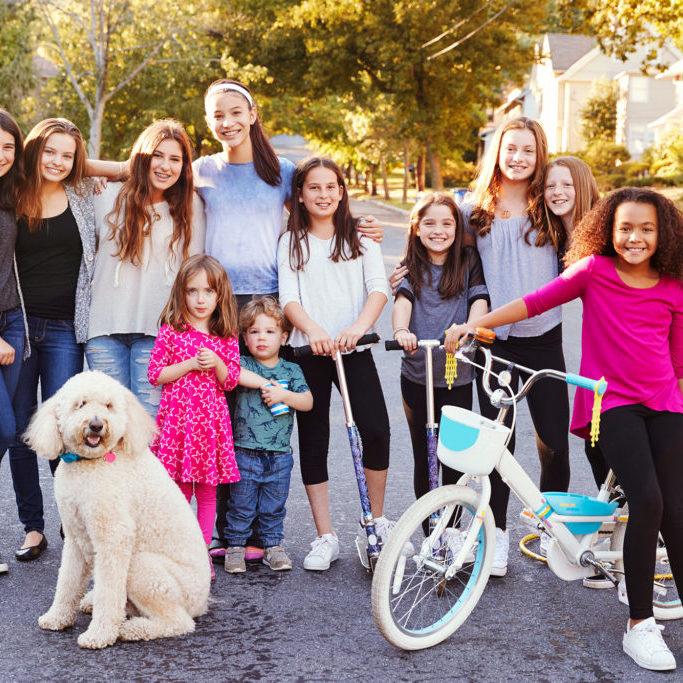 bw--Kids-Neighborhood-Group